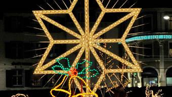 Der 32-jährige Weihnachtsstern kehrt dieses Jahr auf den Barfüsserplatz zurück.