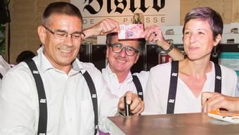 An der Badenerfahrt im Bistro de la Presse: Die Stadtammankandidaten Markus Schneider, Erich Obrist und Sandra Kohler
