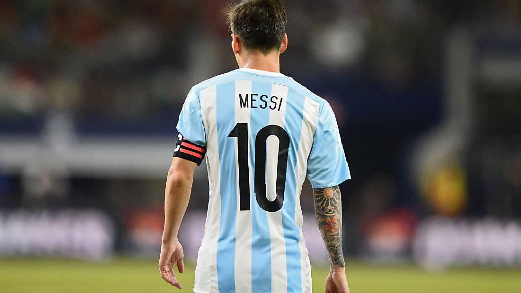 Argentiniens Fans, Staatspräsident Mauricio Macri und auch Diego Armando Maradona: Alle wollen, dass Lionel Messi weiterhin für das Nationalteam spielt