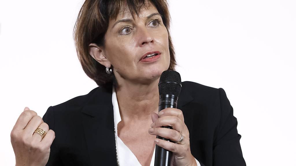 Ex-Bundesrätin Leuthard gegen baldige UKW-Abschaltung