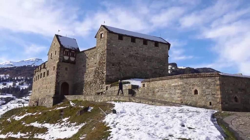 Burgleben: Der Mann, der sich seine Burg baute