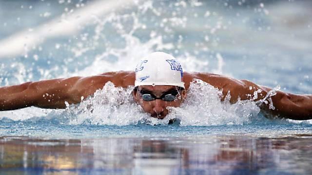 Michael Phelps in Santa Clara über 100 m Delfin in Aktion.