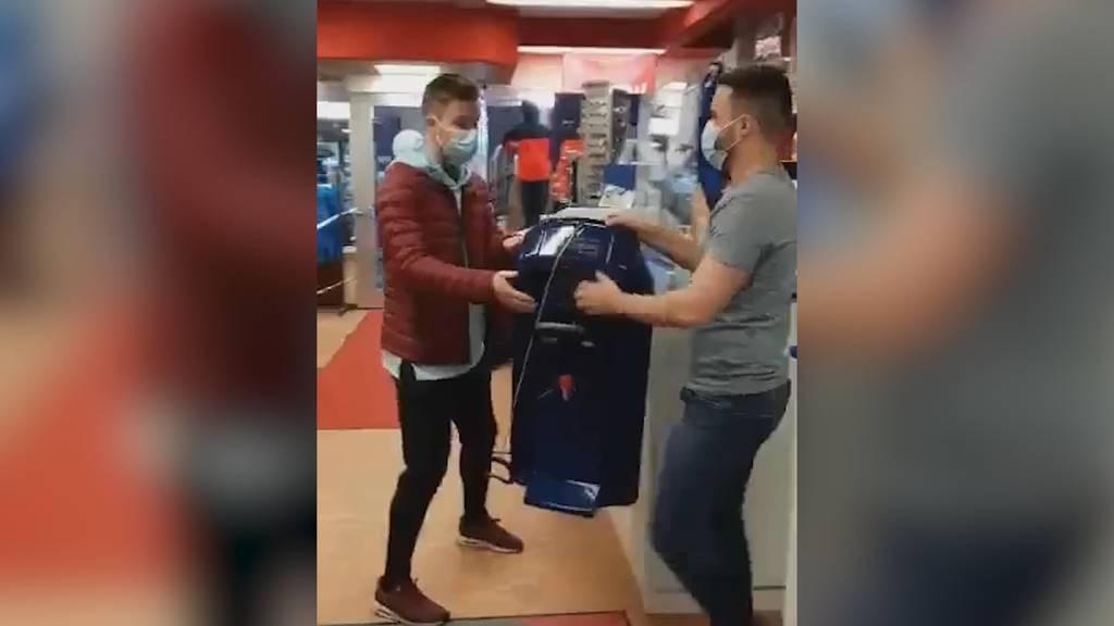 Mieten ja, vor Ort kaufen nein: Siebner Sportgeschäft geht mit Coronamassnahmen-Clip viral