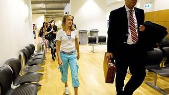 Laura Dekker verlässt das Gericht