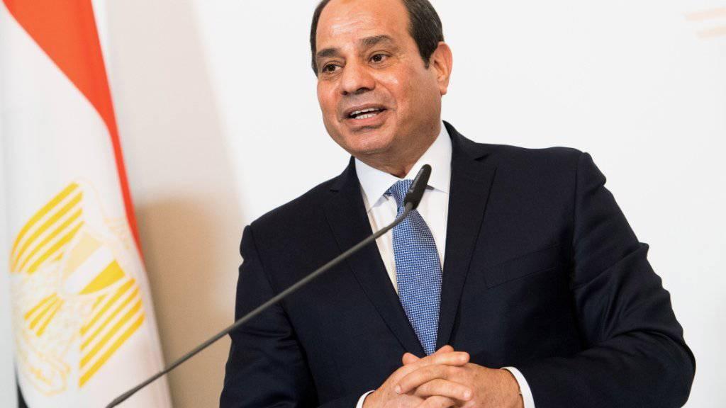 Mit der geplanten Verfassungsänderung könnte der ägyptische Präsident und frühere Armeechef Al-Sisi bis 2034 an der Macht bleiben. (Archivbild)
