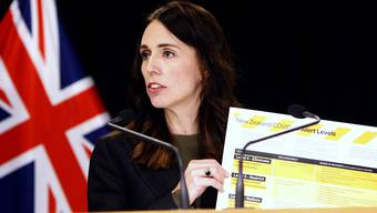 Nachdem Neuseeland über 100 Tage virusfrei war, steigen die Fallzahlen nun wieder. Dies könnte Auswirkungen auf die bevorstehenden Parlamentswahlen haben.