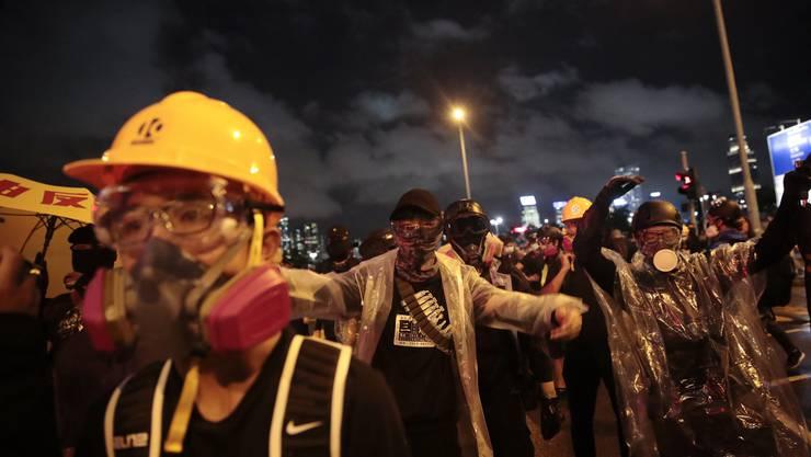 Seit Juni gehen die Menschen in Hongkong regelmässig auf die Strassen, um für mehr demokratische Rechte zu demonstrieren. Die Behörden antworten mit zunehmender Gewalt.