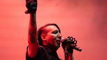 """Für ihn ein Geschenk des Himmels: US-Rocker Marilyn Manson tritt in der zweiten Staffel der TV-Serie """"The New Pope"""" auf. (Archivbild)"""