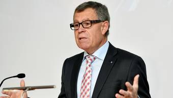 SVP-Regierungsrat Ernst Stocker tritt nochmals an. (Archiv)
