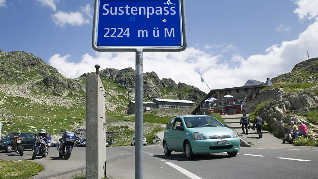 Bei der Fahrt vom Sustenpass ins Tal verunfallte ein Motorradfahrer aus dem Kanton Nidwalden. (Symbolbild)