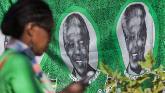 Mit Souveniers mit Nelson Mandela als Sujet lässt sich bereits jetzt gutes Geld verdienen