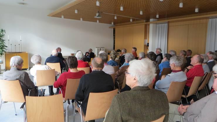 Viele Interessierte im Saal vom Altersheim Frenkendorf-Füllinsdorf