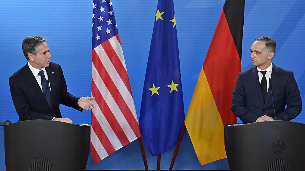 Deutschlands Außenminister Heiko Maas (r.) und US-Außenminister Antony Blinken bei ihrer Pressekonferenz. Foto: John Macdougall/AFP/dpa