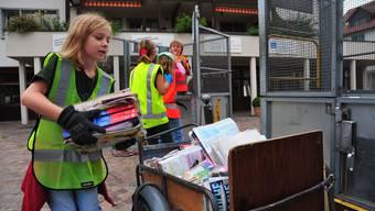 Gestern in Oberlunkofen: Schülerinnen und Schüler sammelten Papier.