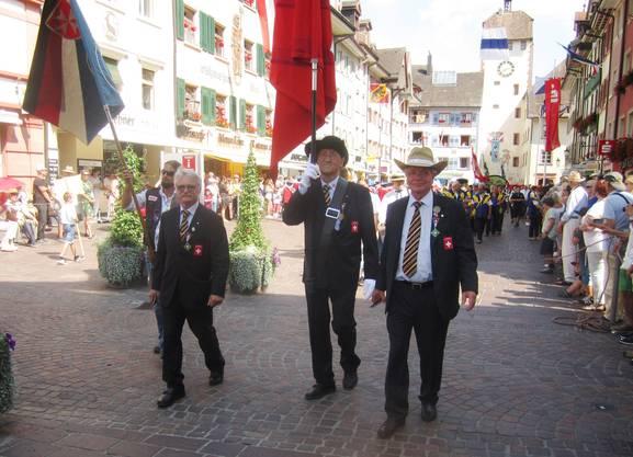 Die SSV-Delegation führte vor den Sportschützen die Schweizer Gruppen an
