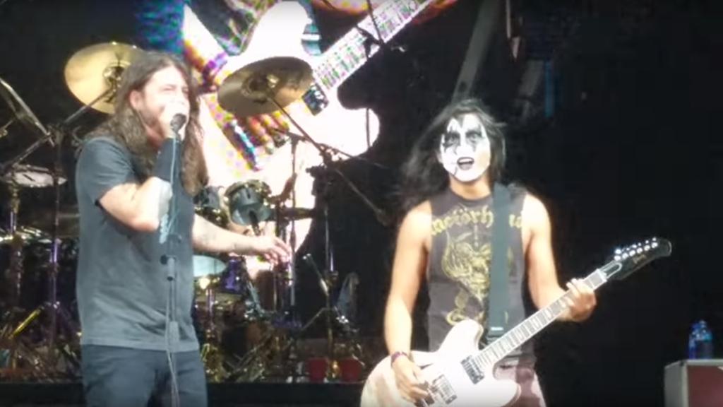 «Kiss Guy» rockt Foo Fighters Bühne