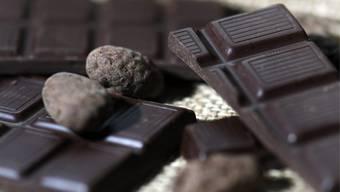 Forscher behaupten: Schokolade macht dünn