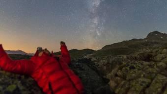 Über 30'000 Bilder von 17 Nächten in den Schweizer Bergen – das ist das atemberaubende Ergebnis.