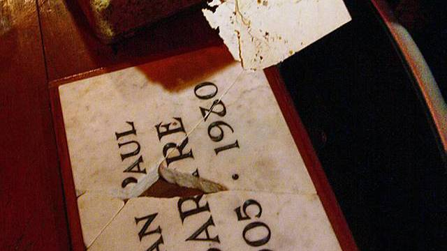 In Kolumbien aufgetaucht: Sartres Grabplatte