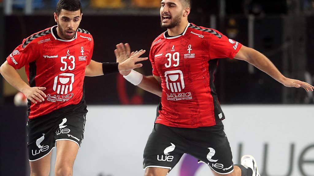 Zufriedene Gesichter: Ägyptens Handballer gewannen zum Auftakt der Heim-WM sicher gegen Chile