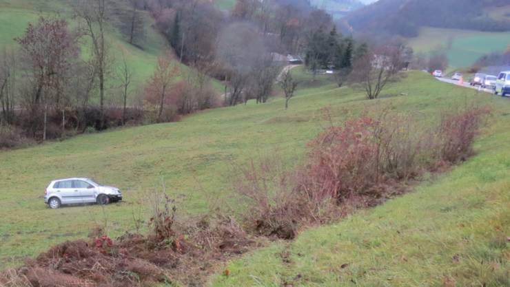 Glück hatte ein deutscher Autofahrer, der am Dienstag auf der Strasse über die Staffelegg einen Selbstunfall verursachte. Sein Auto überschlug sich mehrfach. Der Fahrer blieb unverletzt.
