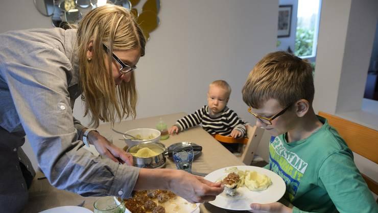 Pro Tag und Person fünf Franken Essensgeld: Dieses Szenario droht bei einer Sozialhilfe-Kürzung um 30 Prozent. (Symbolbild)