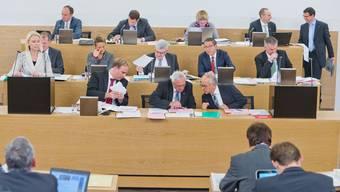 Die Regierung setzte sich beim Budget durch. In der mittleren Bank von links: Stephan Attiger (teilweise verdeckt durch Rednerin Lilian Studer), Susanne Hochuli, Roland Brogli, Urs Hofmann und Alex Hürzeler.