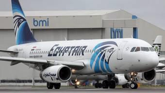 Die staatlich-ägyptische Airline EgyptAir hat einer vierköpfigen irakischen Familie das Boarding ihres Flugs nach New York verweigert, obwohl sie im Besitz von Flugtickets und Visa waren. (Symbolbild)