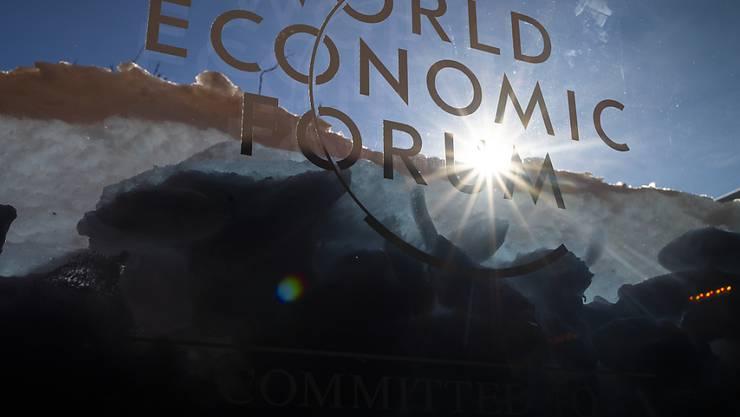 Viele wollen von der Ausstrahlung des Weltwirtschaftsforums in Davos profitieren. Die immer zahlreicher werdenden Trittbrettfahrer sind den Veranstaltern aber ein Dorn im Auge. (Themenbild)