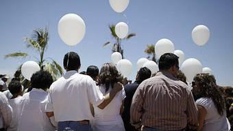 Trauernde Angehörige in Hermosillo
