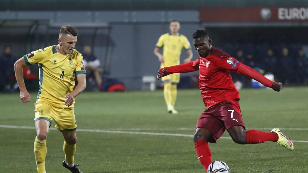 Schweiz gewinnt dank effizienter erster Halbzeit mit 4:0