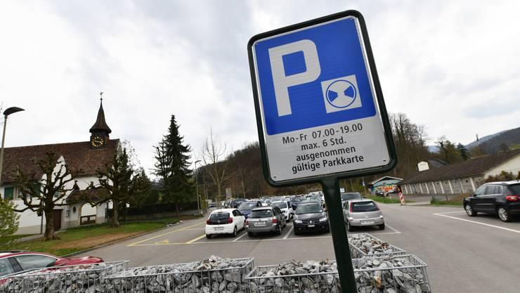 Parkscheibe stellen! Dringend zu empfehlen beim Hölsteiner Friedhof.