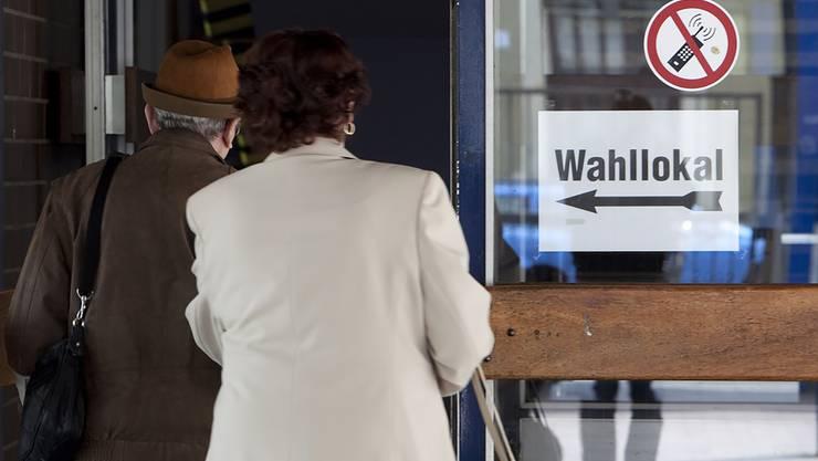 Immer weniger Menschen geben ihre Stimme im Wahllokal ab. Rund 94 Prozent wählen im Kanton Solothurn brieflich.