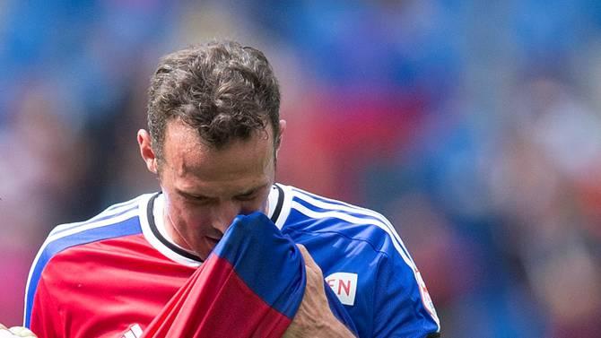 Enttäuscht verlässt Marco Streller den Platz.