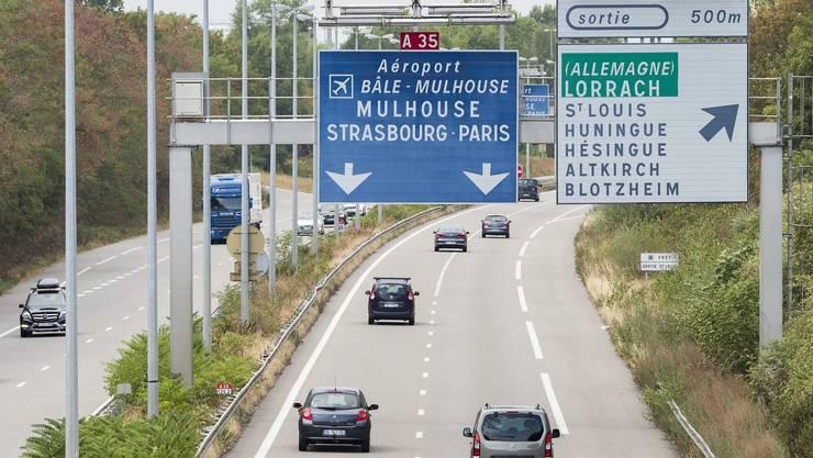 Als das Foto aufgenommen wurde, war Ozonalarm in Frankreich. Zwischen der Grenze und der Ausfahrt zum Euro-Airport wies nichts darauf hin.