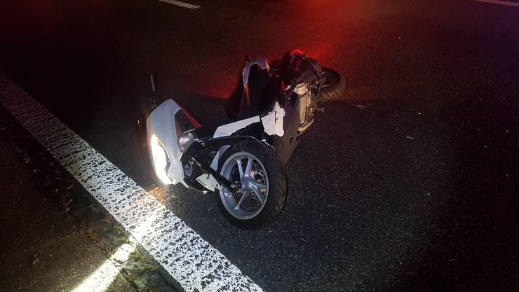 Der leicht verletzte Motorradfahrer musste ins Spital überführt werden.Der leicht verletzte Motorradfahrer musste ins Spital überführt werden.