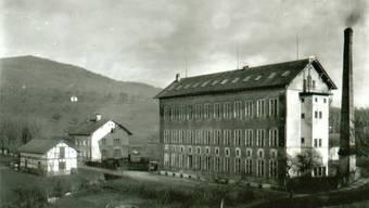 Fritz Maurer gründete die «Schweizerische Velopneufabrik Fritz Maurer», die spätere Maloya AG, in einer stillgelegten Seidenbandfabrik, der «oberen» oder «Roten Fabrik» in Gelterkinden.