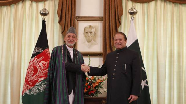 Afghanistans Präsident Karsai (l) und Pakistans Premier Sharif