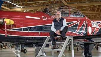 Pilatus-Verwaltungsratspräsident Oscar J. Schwenk vor einem PC-21 für Australien.