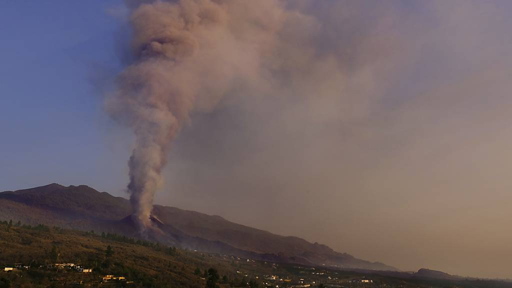 Vulkan auf La Palma aktiver – Regierung kündigt Millionen-Hilfen an