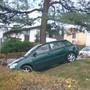Gas- mit Bremspedal verwechselt: 73-Jährige «parkiert» Auto auf Spielplatz
