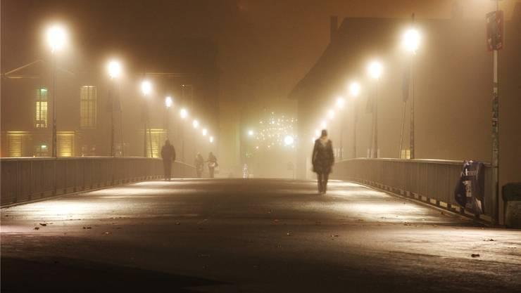 Mal wieder dumpfgraue Suppe: Nebel in Solothurn. Lässt er uns unglücklich werden?