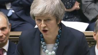 Die britische Premierministerin Theresa May hat am Montag in London die Abstimmung über das Brexit-Abkommen im britischen Parlament auf unbestimmt verschoben.