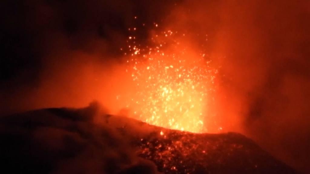 «Heisse Bilder» : Der Vulkan Ätna ist ausgebrochen