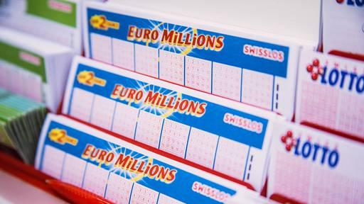 Gewinne 1 von 10 Euro Millions-Losen