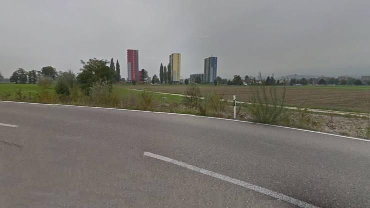 Die Baustelle wird über die Grabackerstrasse erschlossen. Gebaut wird auf der Oberhofstrasse (Kiesweg in Richtung «Sonnenpark»).