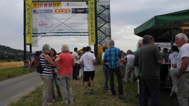 Die Kommandobrücke auf dem Weininger Feld wurde feierlich eingeweiht.