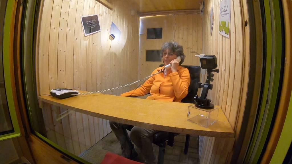 Besuchsboxen im Altersheim: Besuche trotz Besuchsverbot