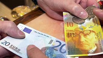 Euro zum Franken mit Rekordtief