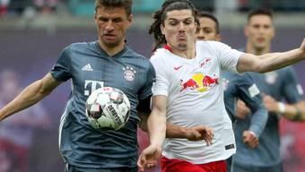 Noch keine Titelentscheidung: Bayern München mit Thomas Müller (links) kommen gegen das Leipzig von Marcel Sabitzer nur zu einem 0:0
